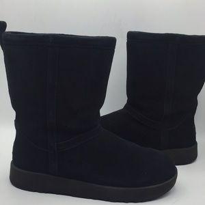 UGG Classic Short Artic Grip  Black Winter Boots